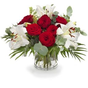 Prachtige lelies en rozen boeket middel