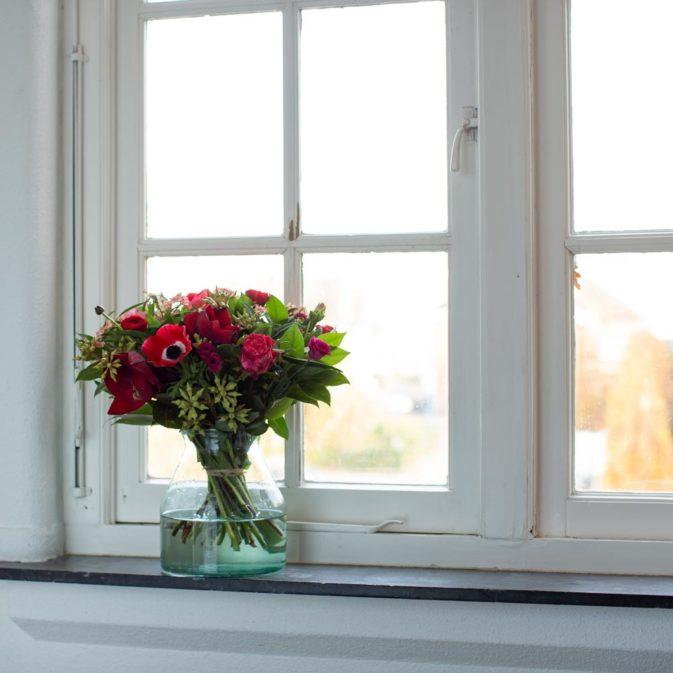 winterpassie in het raam