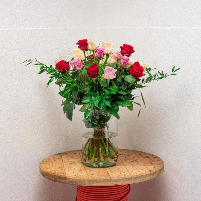 gekleurde rozen met rood schittering