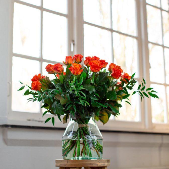 oranje rozen raam