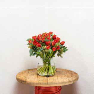 rode tulpen vooraanzicht bloemen bezorgen