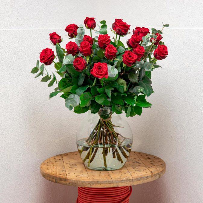 grote bos rode rozen ultieme liefde